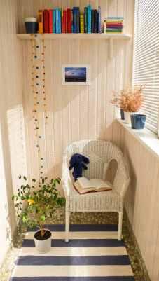 décoration-balcon-aménagement-coin-lecture-fauteuil-tressé