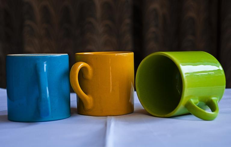 mugs-2002803_1920
